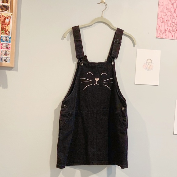 aa65b59f435 Forever 21 Dresses   Skirts - Adorable jumper overalls with cat face
